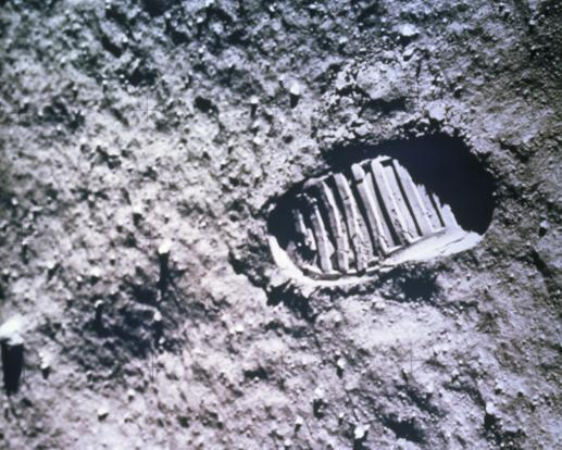 Ostatni co chadzał po Księżycu - foto