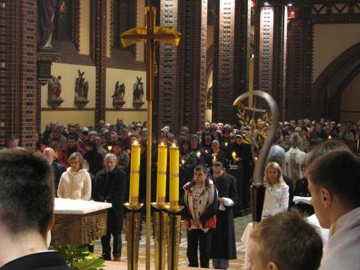 Instrukcja dla duchowieństwa w związku z wprowadzeniem obrzędów chrześcijańskiego wtajemniczenia dorosłych - foto