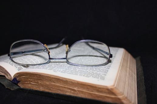 Czytać Biblię i żyć Biblią  z papieżem Franciszkiem - foto