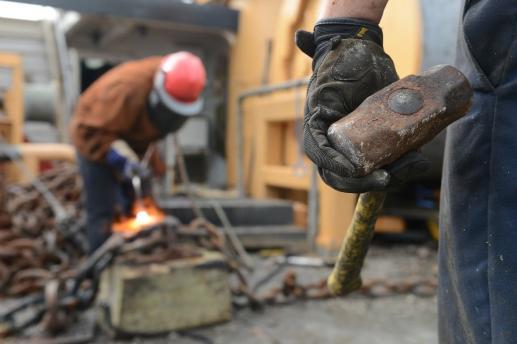 Bogactwo i wyzysk cudzej pracy - foto