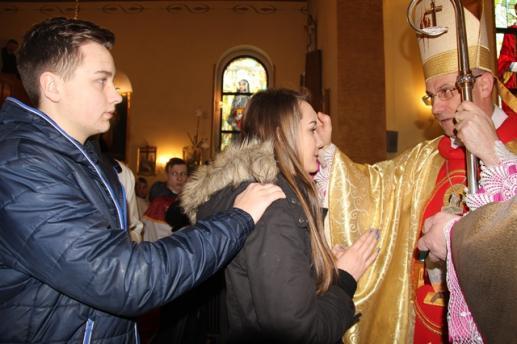 Bierzmowanie sakramentem dojrzałości chrześcijańskiej - foto