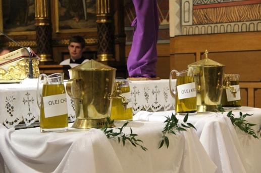 Historia i teologia wielkoczwartkowej Mszy Krzyżma  - foto