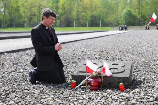 Tamte modlitwy w Auschwitz - foto