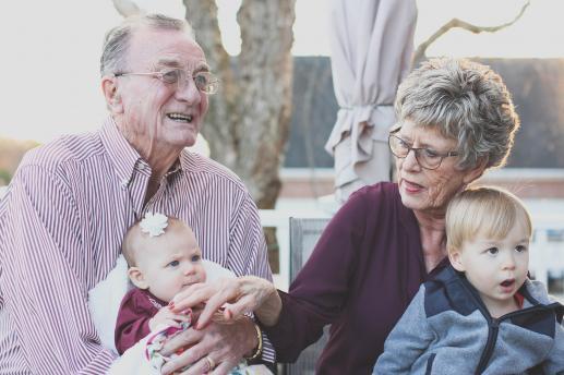 Dziadkowie: Nie tylko do kochania… - foto