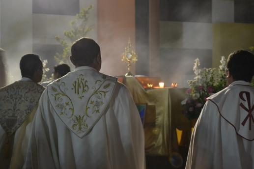 Czy warto dziś być księdzem? - foto