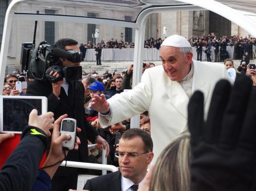 Papież jest nagi! - foto