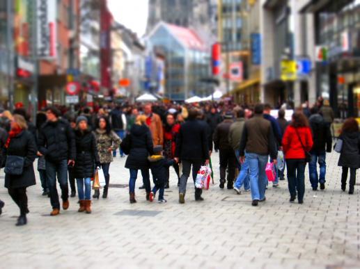 Ile człowiekowi zakupów potrzeba? - foto