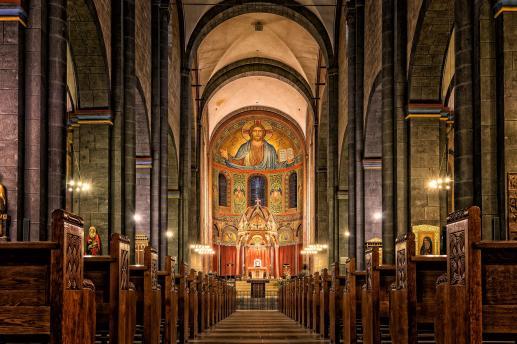 Pontyfikał. Obrzędy poświęcenia kościoła i ołtarza - foto