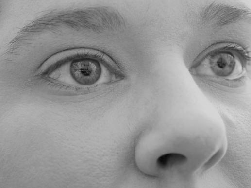 Oczy w dół - foto