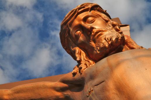 Patrząc przez Krzyż ku Niebu - foto