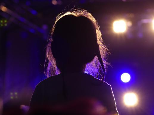 Skromność w życiu dziewczynki - foto
