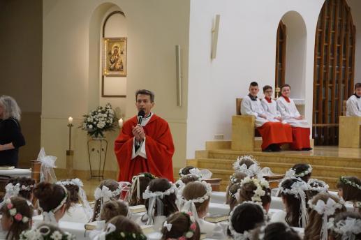 Liturgia słowa Bożego przestrzenią zbawczego dialogu Boga z człowiekiem w świetle adhortacji apostolskiej Benedykta XVI Verbum Domini - foto