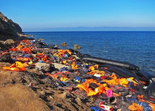 Niesprawiedliwość odrzuca migrantów  i powoduje, że toną w morzu - foto