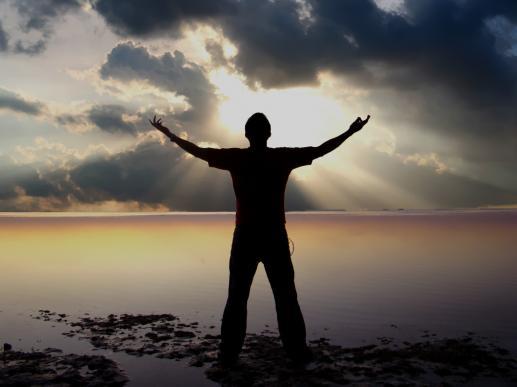 Wybieranie zbawienia w wewnętrznej walce między dobrem a złem - foto