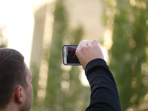 Jak telefon komórkowy wpływa na twoje zdrowie? - foto