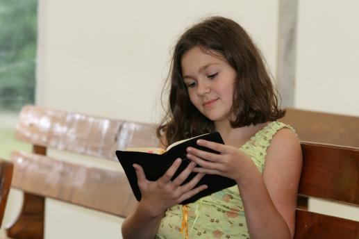 Czytanie dzieciom - foto