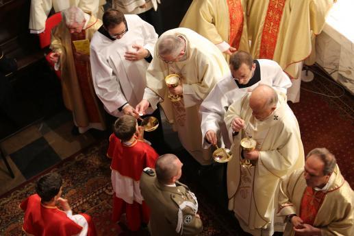 Czy spożywanie Eucharystii to kanibalizm? - foto