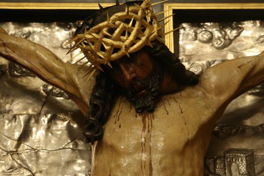 Patrz na Jezusa poprzez Jego rany - foto