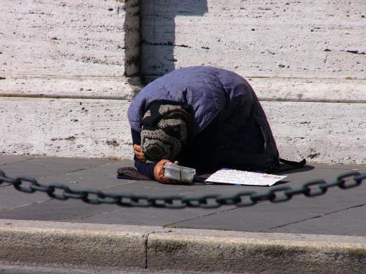 Między huczną filantropią a chrześcijańskim miłosierdziem - foto