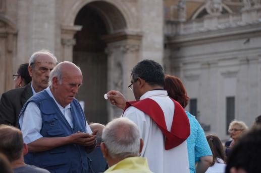 Komu można odmówić Komunii św.? - foto