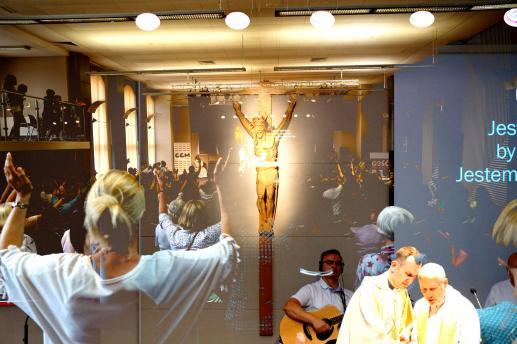 Wierzę w święty Kościół powszechny - foto